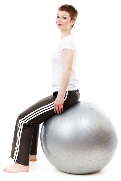Exercices de prise de conscience et de tonification du périnée sur ballon